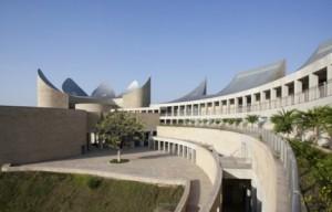 Moshe-Safdie-Khalsa-Heritage-Centre