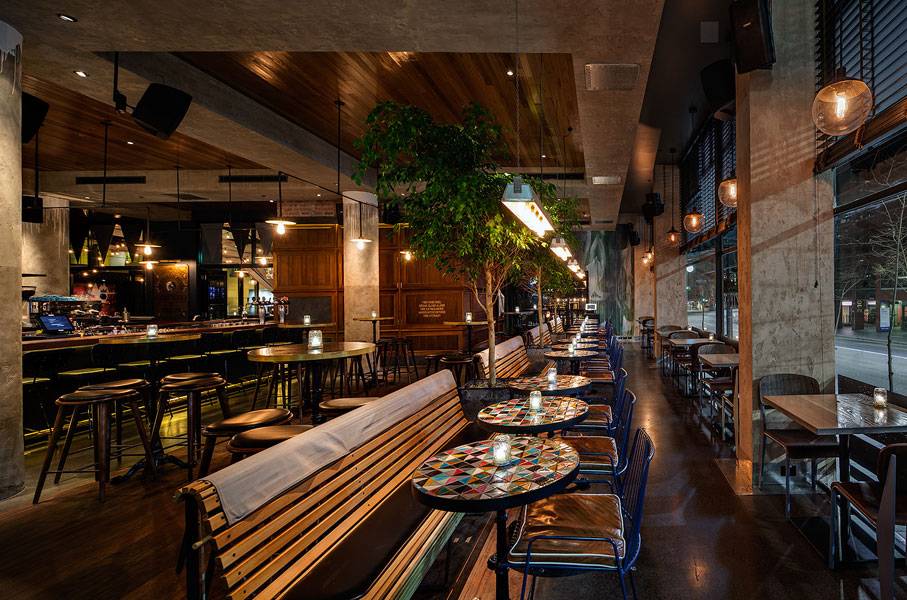 Morrison bar oyster room by akin creative australian for Creative interior design review