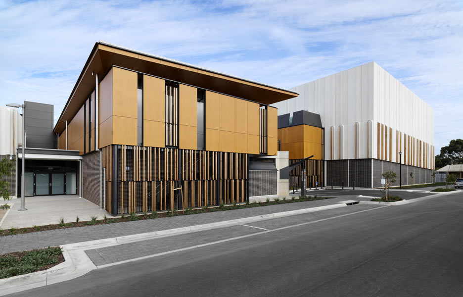 adelaide studios by grieve gillett and cox richardson