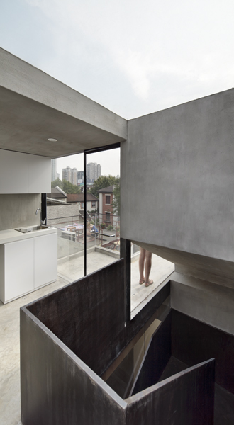 Neri-&-Hu-Design-and-Research-Office-Split-House-05