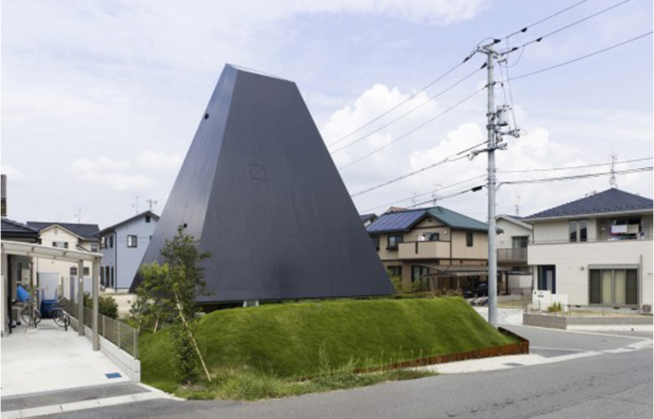 House in Saijo – Suppose Design Office. Image courtesy of Nacasa & Partners Inc