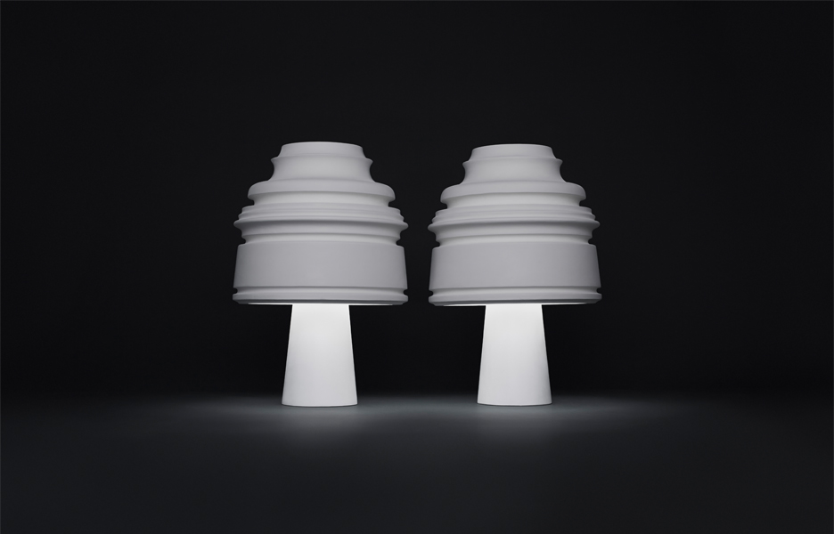 The space between the Eigruob lamps forms the silhouette of the Bourgie lamp