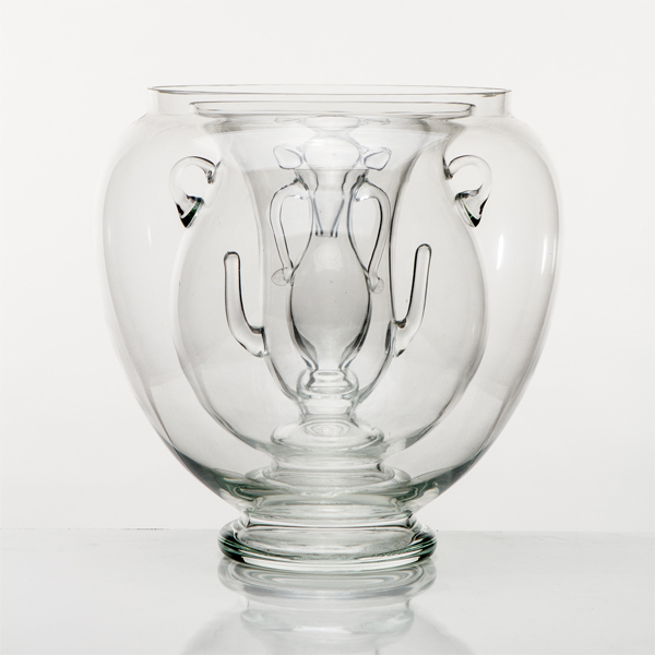 Andrea Bandoni & Joana Meroz's Archetyical Vase is made with glass; available through Coletivo Amor de Mardre
