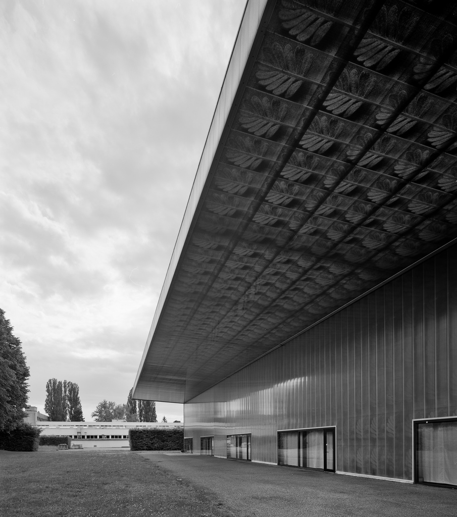 Ricola-Europe SA, Production and Storage Building, Mulhouse-Brunstatt, France (1992, realisation 1993). Image courtesy: Aron Lorincz