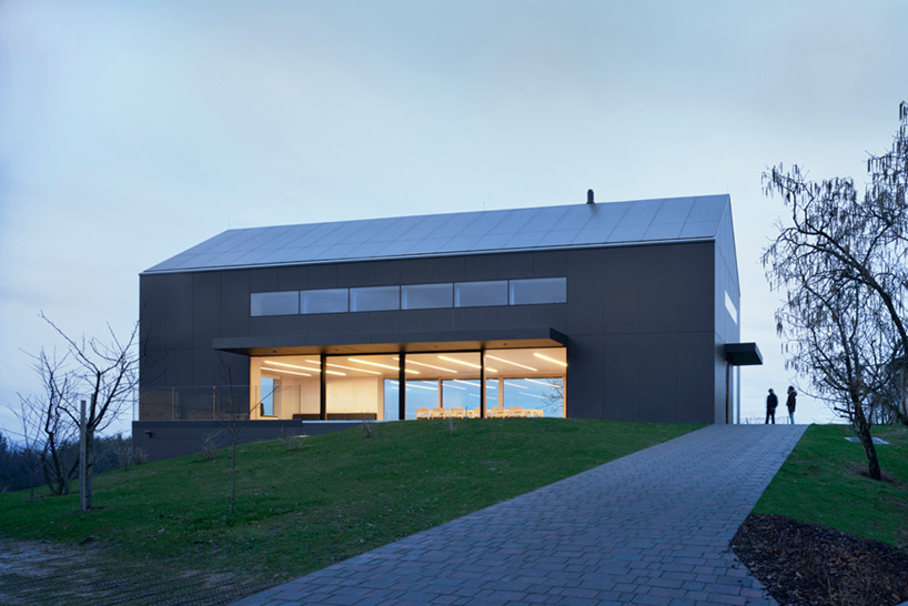 Red Architecture Wins Top New Zealand Prize For Modern