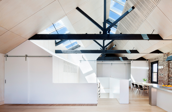 Residential-alteration-2015037124_0_Andrew-Simpson-Architects_WaterFactory_Shannon-McGrath-copy