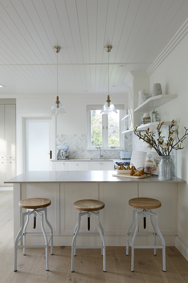 Kyal and Kara's Hamptons-inspired kitchen on Reno Rumble.