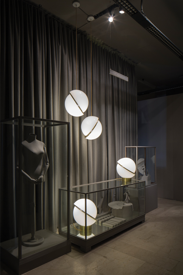 Lee broom 1