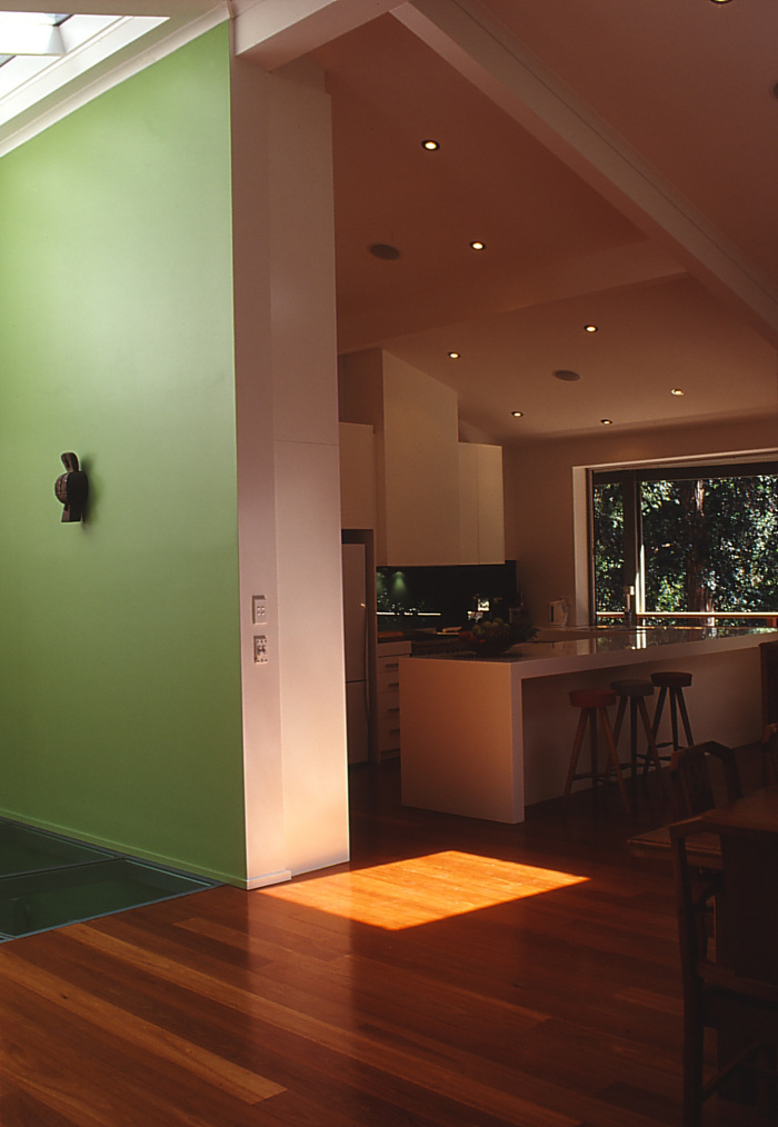 moss-buswell_13-view-to-kitchen
