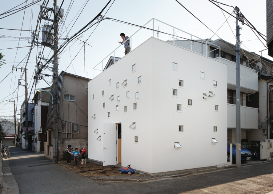 The exterior of Room Room House by Takeshi Hosaka, photo by Peter Bennetts.