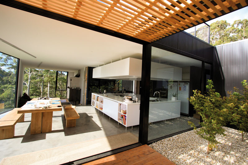 The tasmanian veranda australian design review for Outdoor verandah designs