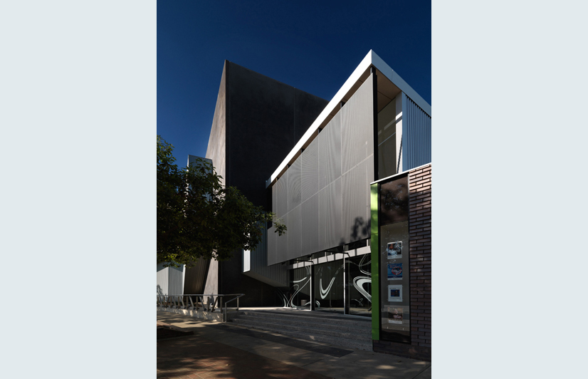 wangaratta_performing_arts_centre_harmer_architecture_03.jpg