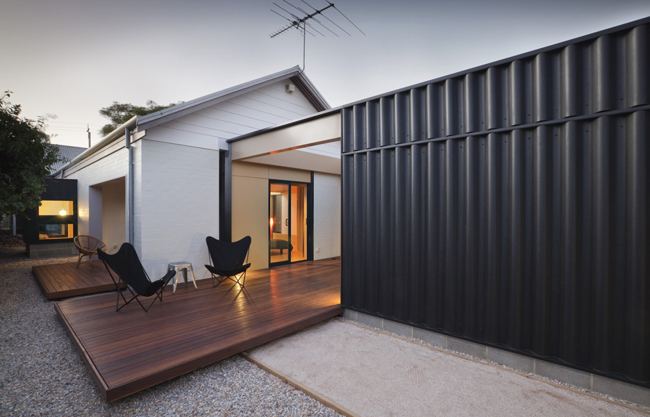 Where to get container home extensions michael mon for Studio conteneur prix